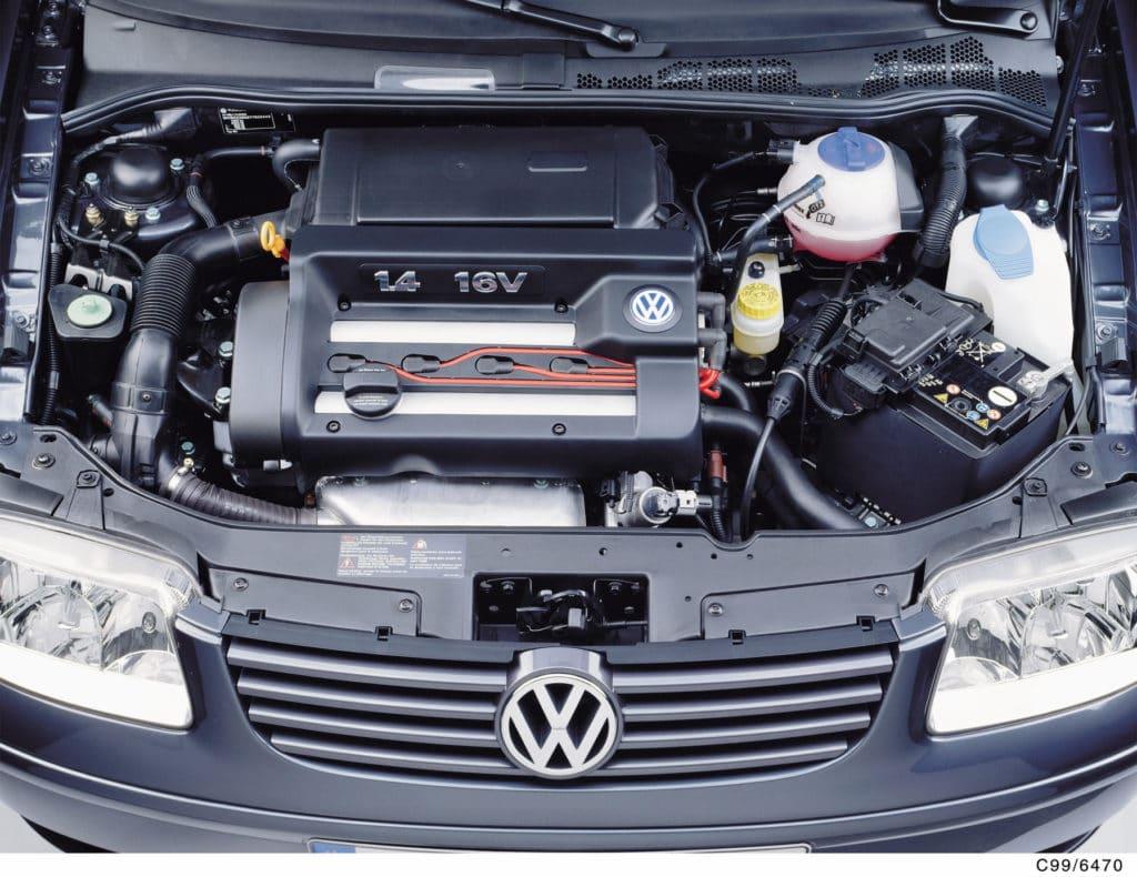 Zahnriemenwechsel im Motor vom VW Polo