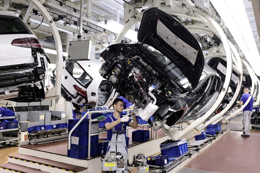 Zahnriemenwechsel VW Golf 7 Werk Wolfsburg