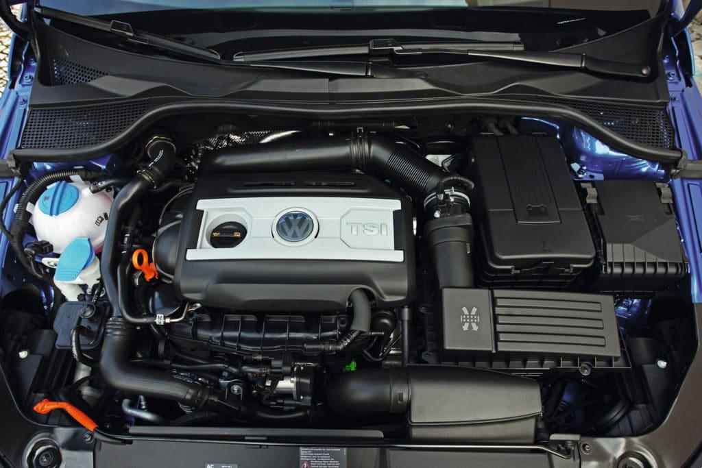 Beim Zahnriemenwechsel beim VW Scirocco fällt je nach Motorisierung ein unterschiedlich hoher Aufwand an