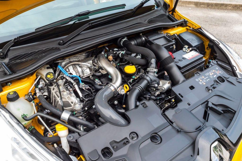 Den Zustand des Zahnriemens beim Renault Clio regelmäßig kontrollieren