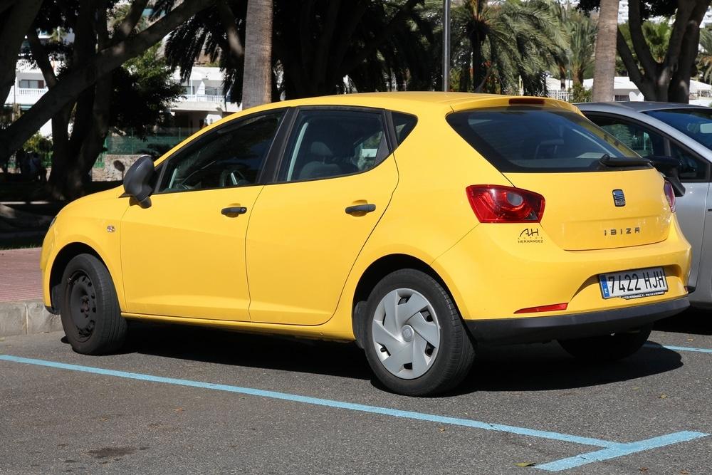 Inspektion bei einem Seat Ibiza IV vom Typ 6J5