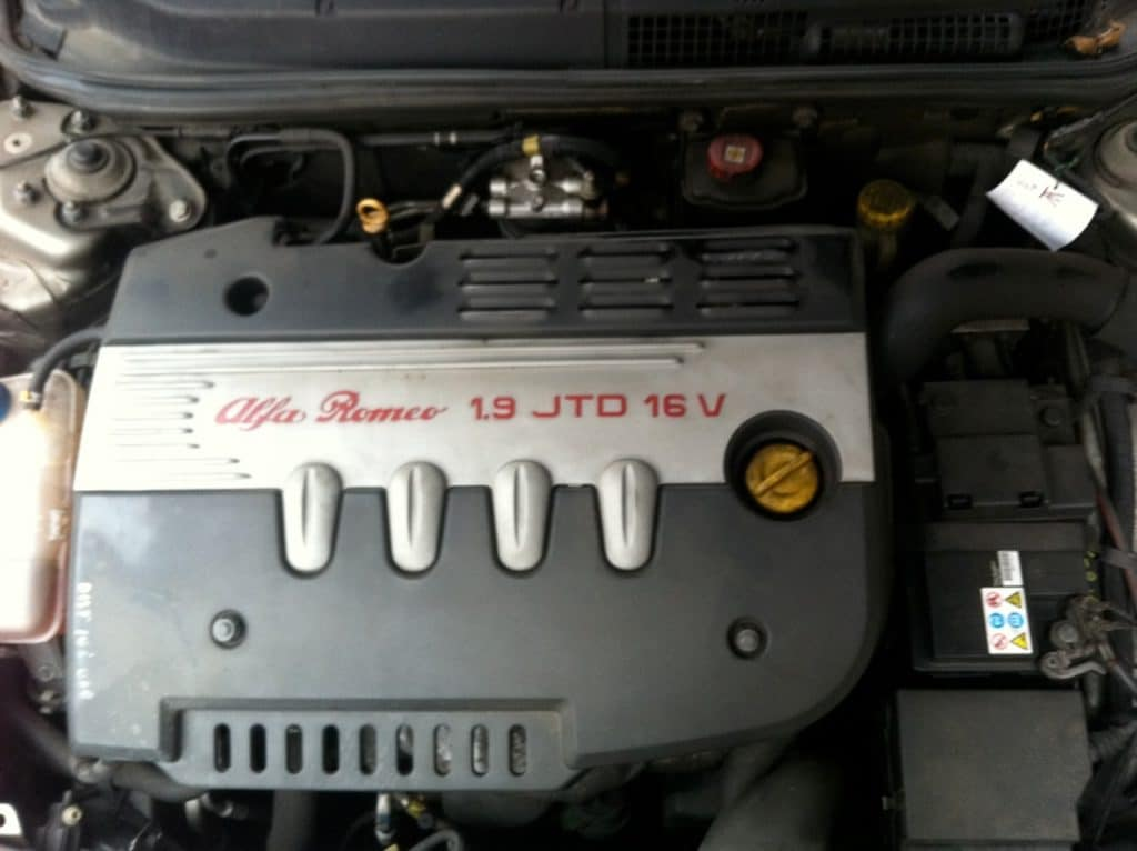 Der Zahnriemenwechsel beim Alfa Romeo GT kostet je nach Modell unterschiedlich viel