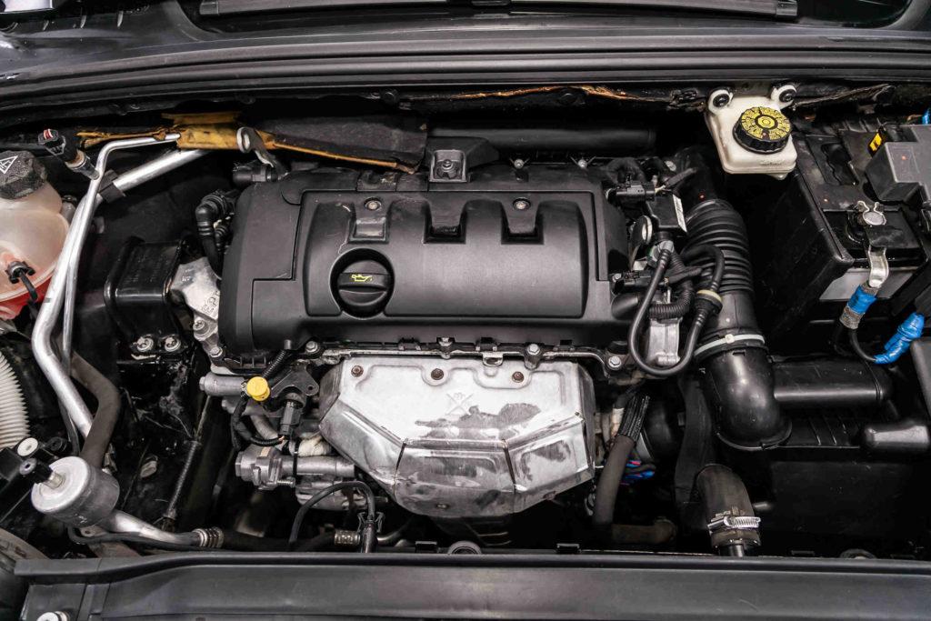 Für den Zahnriemenwechsel beim Peugeot 308 hängen die Kosten vom jeweiligen Umfang der Arbeiten ab
