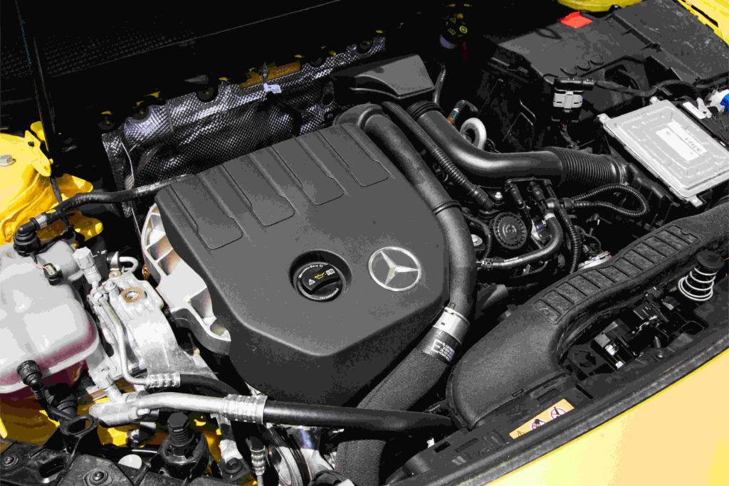 Beim Zahnriemenwechsel beim Mercedes CLA variieren die Kosten je nach Arbeitsaufwand