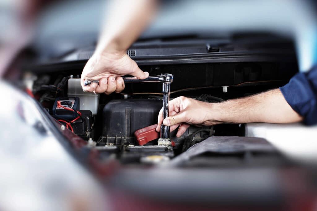 Inspektionen beim Ford C-Max können in allen Kfz-Werkstätten erfolgen