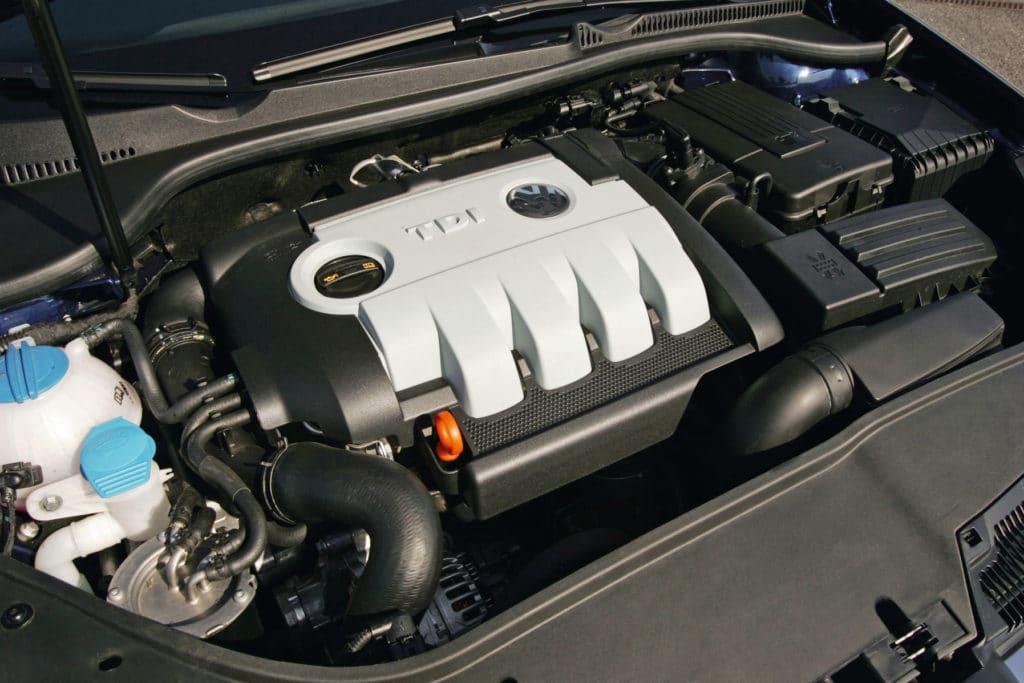 Inspektion bei einem VW Golf 5
