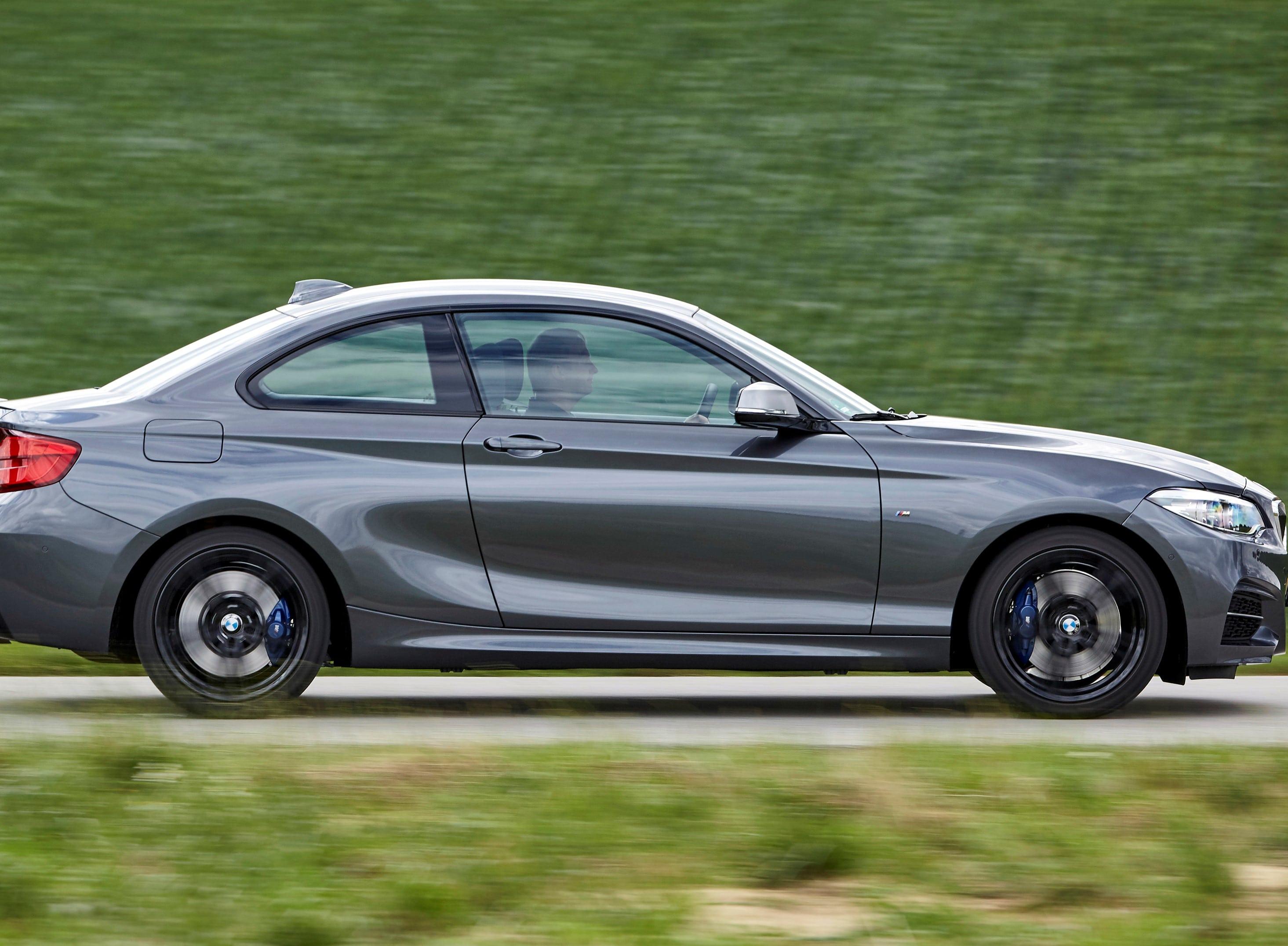 Inspektion bei einem BMW 2er Coupe