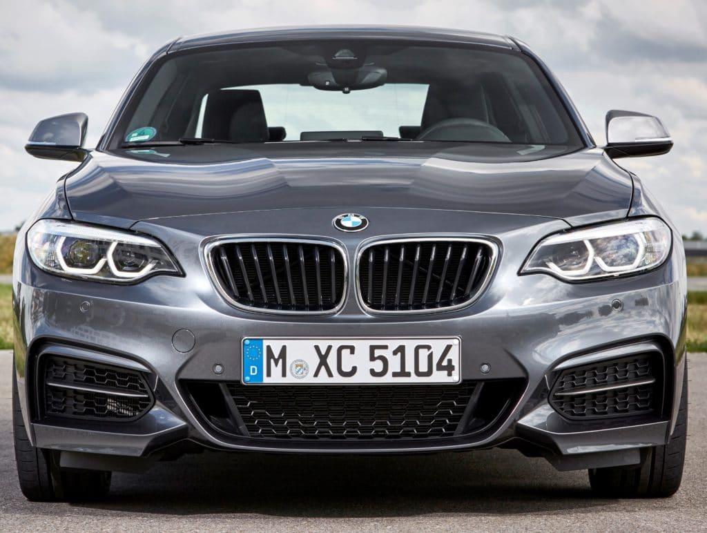 Inpektion bei einem BMW 2er