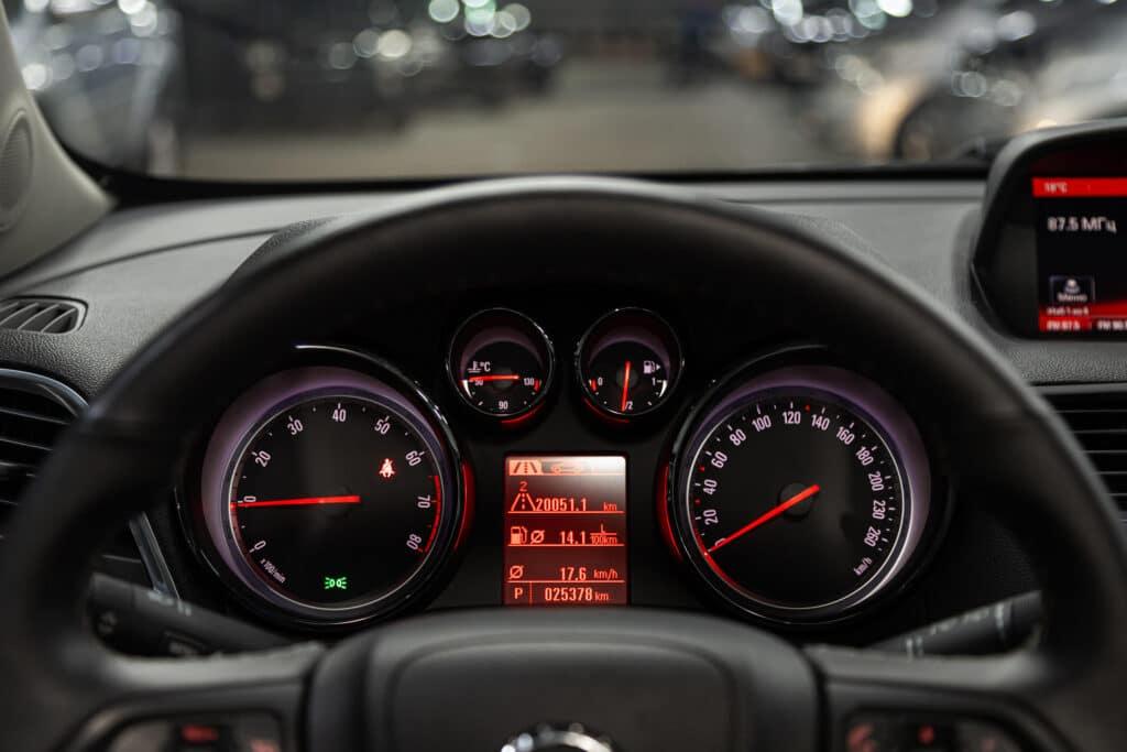 Die Inspektionsintervalle finden beim Opel Mokka in gleichbleibenden Abständen statt
