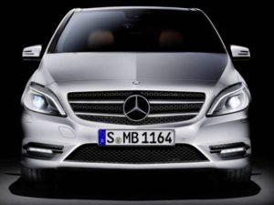 Inspektion einer Mercedes B-Klasse Typ W247 von 2019