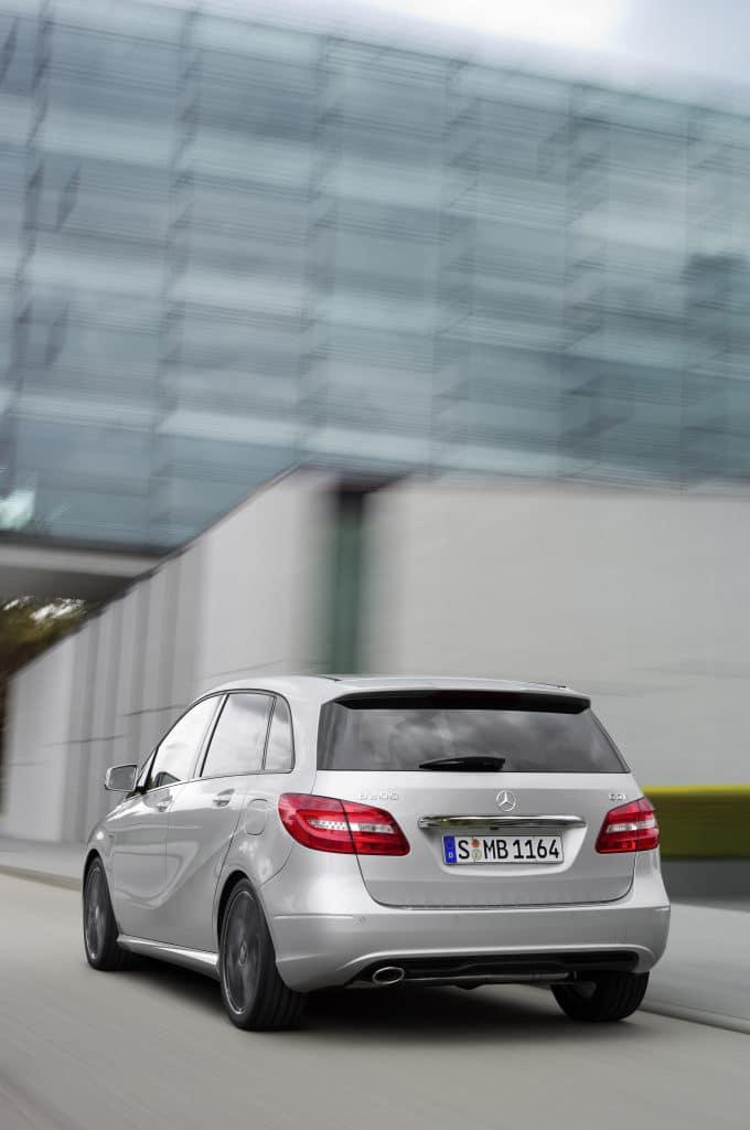 Inspektion einer Mercedes B-Klasse Typ W242