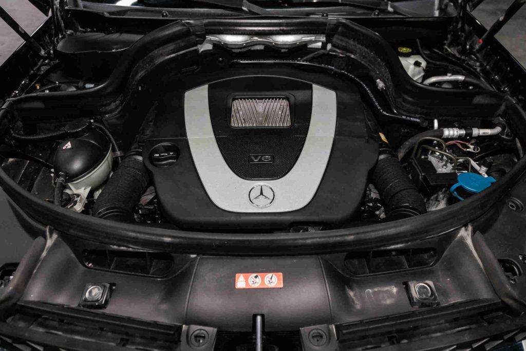 Die Kosten für eine Inspektion bei der Mercedes SLK Klasse hängen vom Umfang der Wartungsarbeiten ab