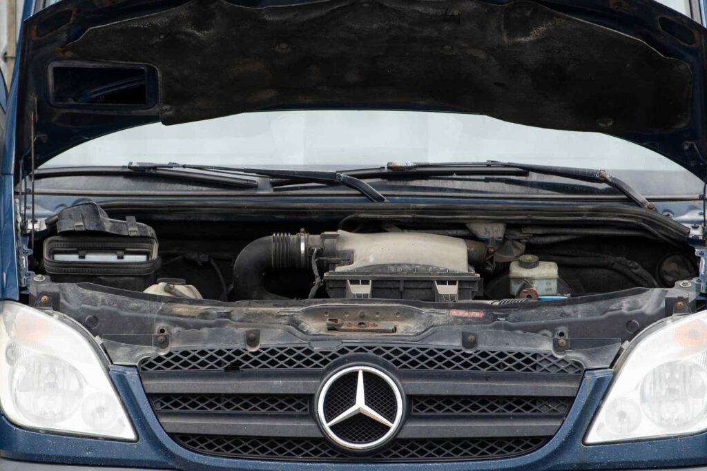 Die Kosten für die Inspektionen beim Mercedes Sprinter hängen vom Arbeitsaufwand ab