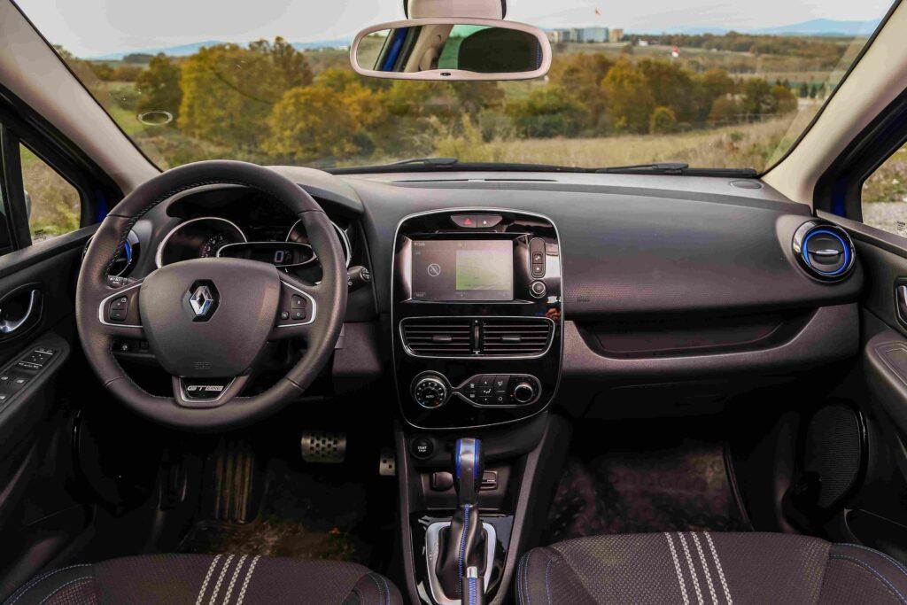 Beim Renault Clio gibt es gleichbleibende Inspektionsintervalle