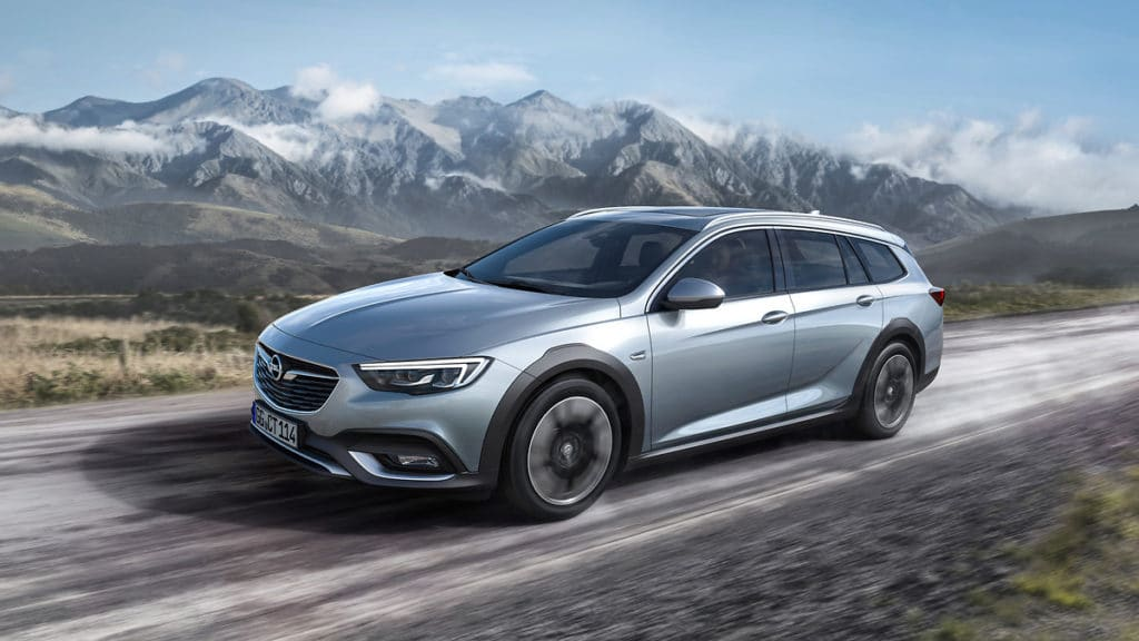 Inspektion bei einem Opel Insignia Country Tourer