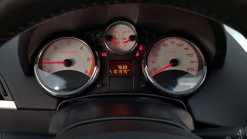 Die Inspektionsintervalle hängen beim Peugeot 206 immer von den Einsatzbedingungen ab