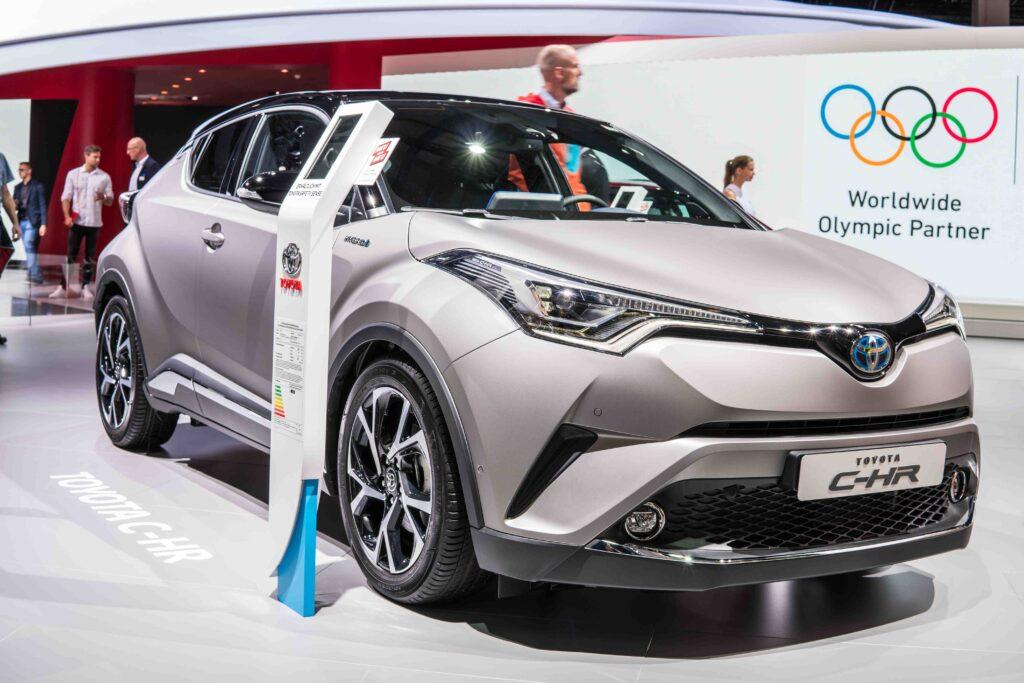 Durch die regelmäßigen Inspektionen wird der Wert vom Toyota C-HR lange erhalten