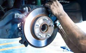 Bremsenwechsel am VW Golf VI