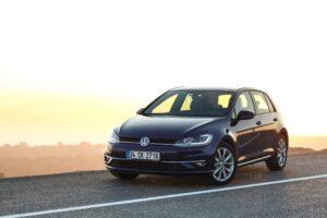 Vordere Bremsen wechseln beim VW Golf VII