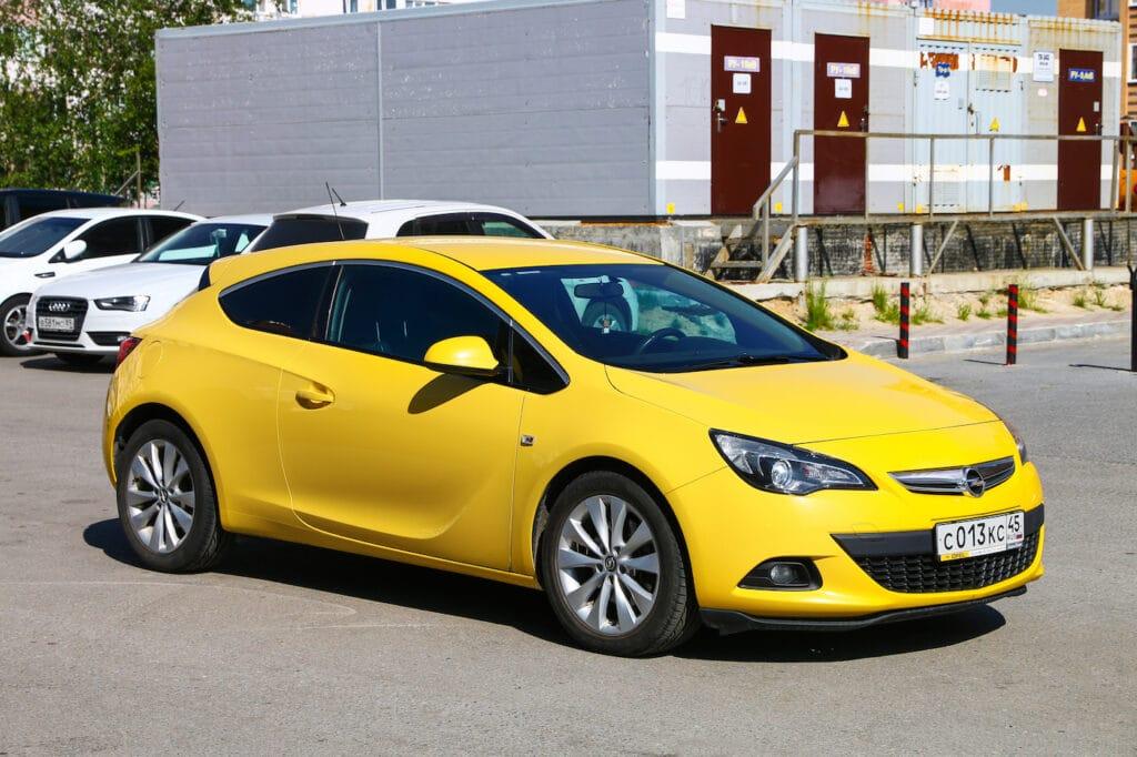 Anhängerkupplung nachrüsten beim Opel Astra J