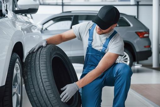 Reifenwechsel in Verbindung mit Inspektion Service