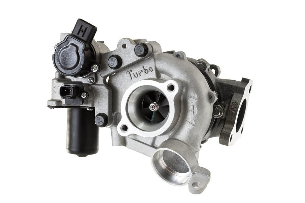 Defekten Turbolader durch ein Neuteil ersetzen