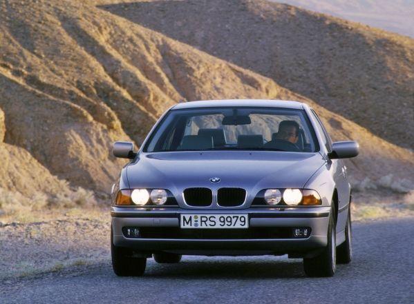 Inspektion bei einem BMW 5er vom Typ E39