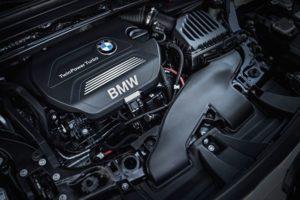 Inspektion eines BMW der Baureihe X1 vom Typ F48