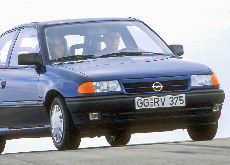 Inspektion bei einem Opel Astra F
