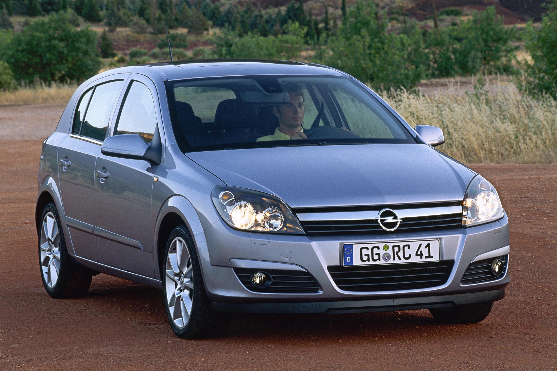 Inspektion bei einem Opel Astra der Bauphase H