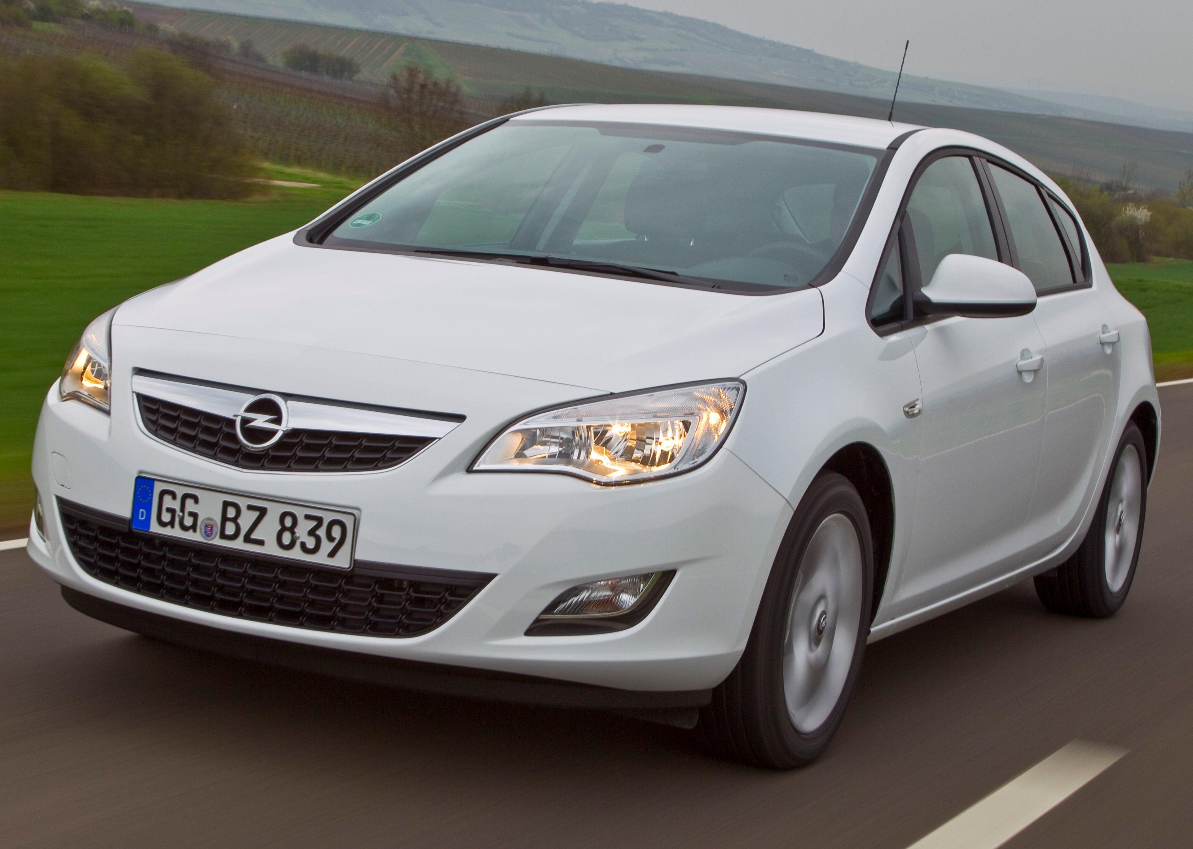 Inspektion bei einem Opel Astra der Bauphase J