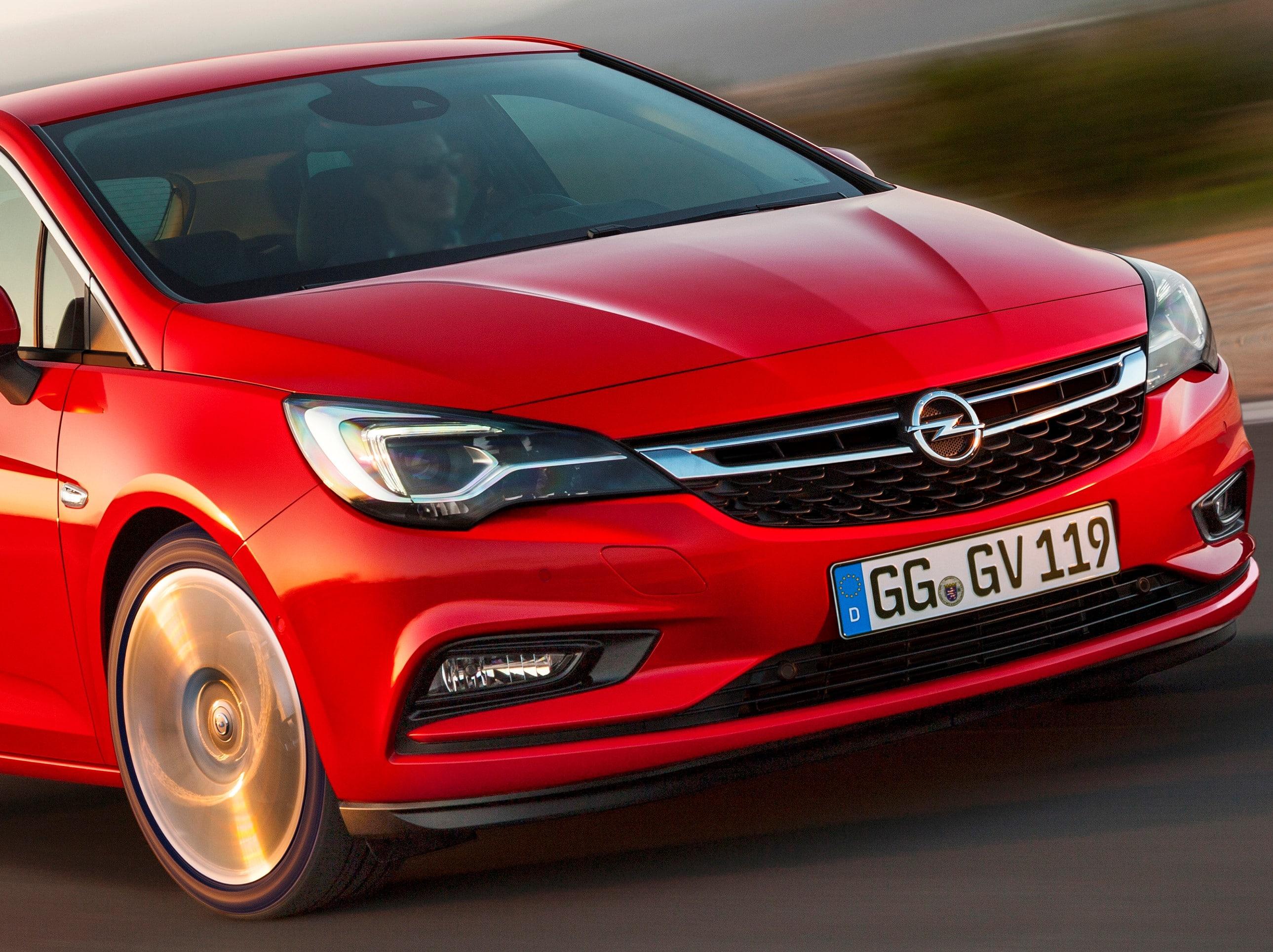 Inspektion eines Opel Astra K aus 2015