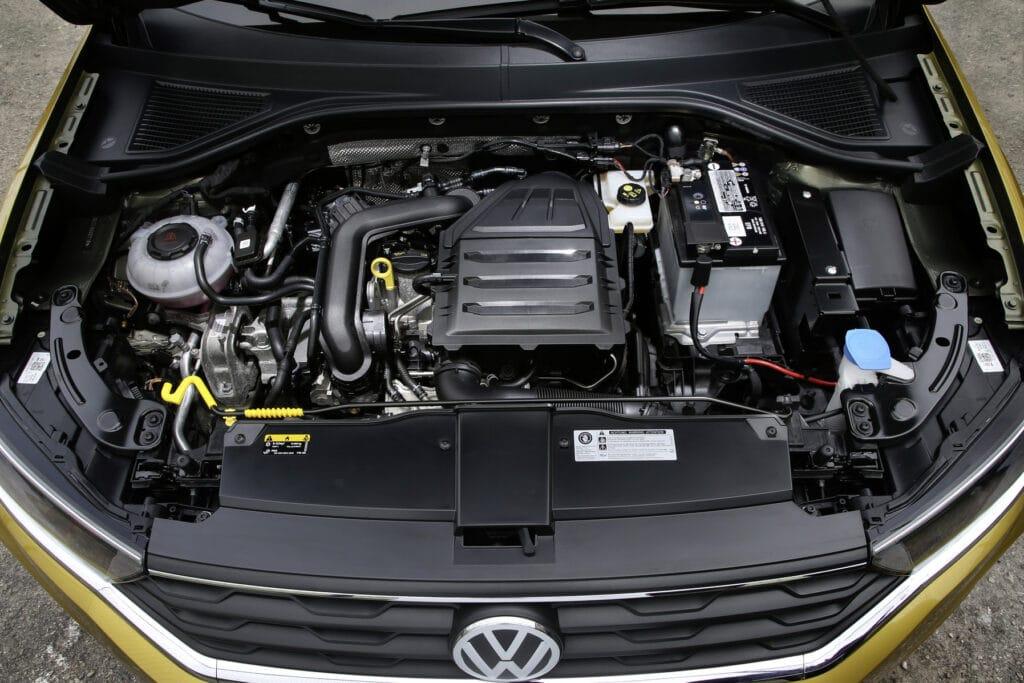 Inspektion bei einem VW T-Roc