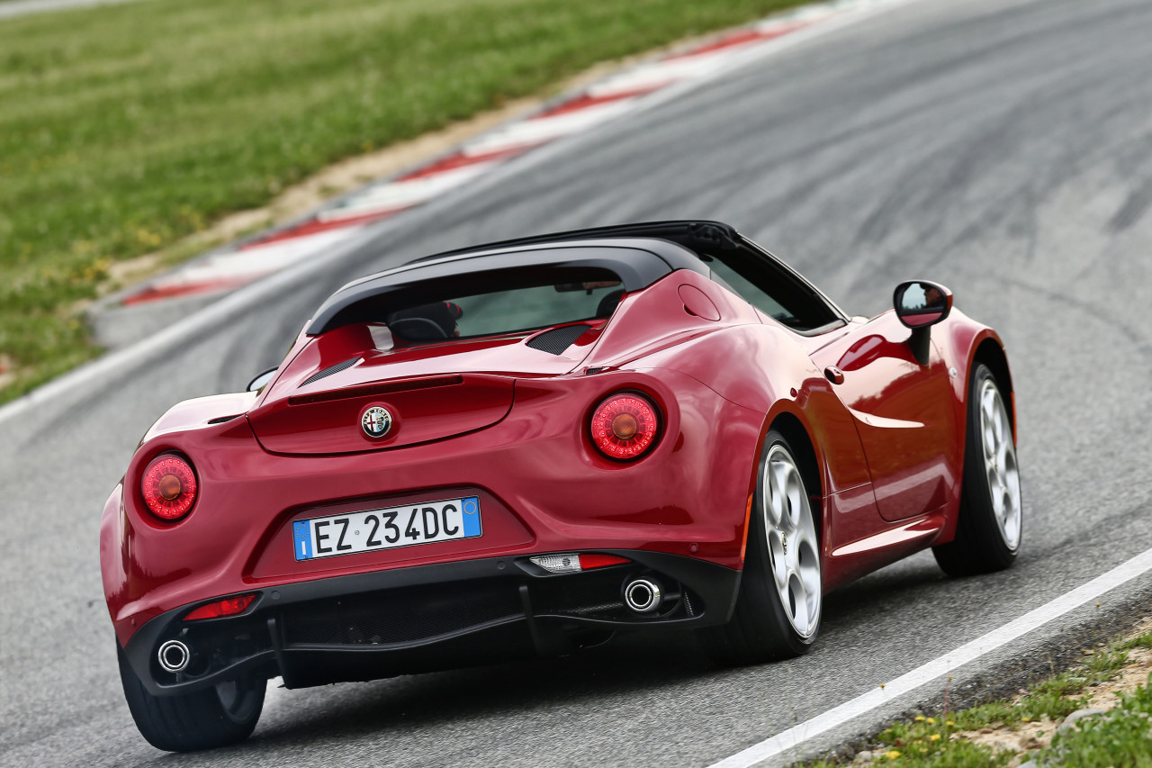 alfa romeo 4c spider 2015. Black Bedroom Furniture Sets. Home Design Ideas